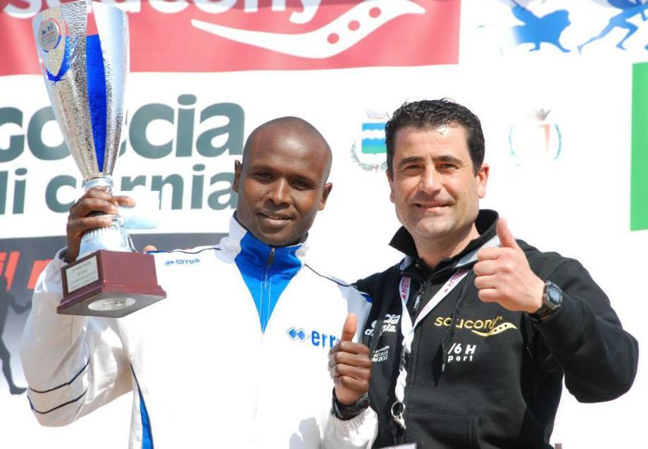 MDD15_Michele-Stellon-con-il-vincitore-della-maratonina-2015